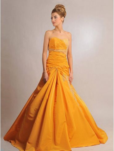Farbiges Brautkleid Modell Calinda