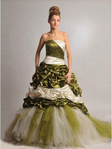 Farbiges Brautkleid Modell Catalina
