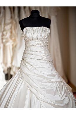 Brautkleider A-Linie Creme Taft Modell Nasra